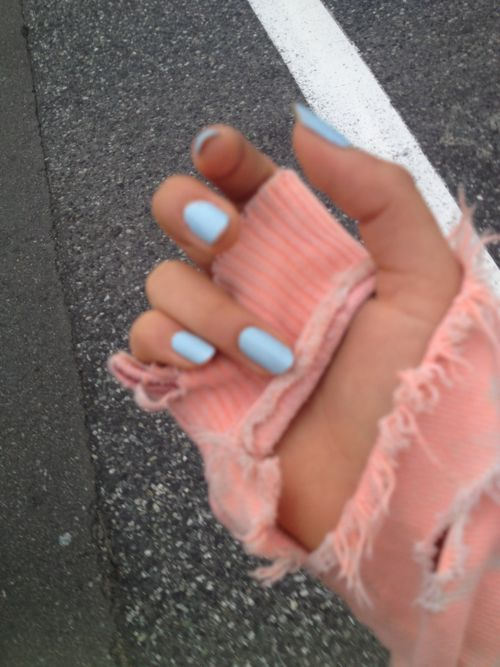 love this baby blue nail polish