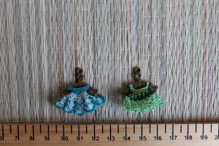 Micro dresses for micro bjd was crochet with silky thread. Both may be made in order.