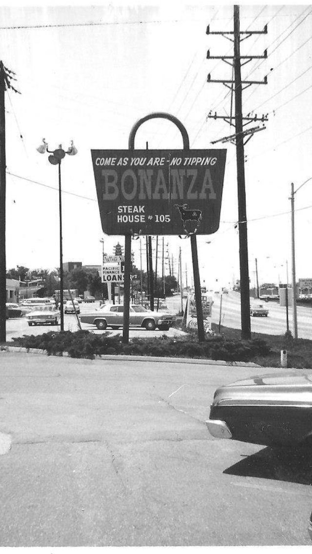 Bonanza restaurant, Flint MI~ the best house dressing ever!