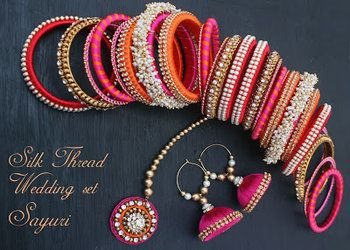 my silk thread earring mangtika and bangls set........ hws it ya or na?