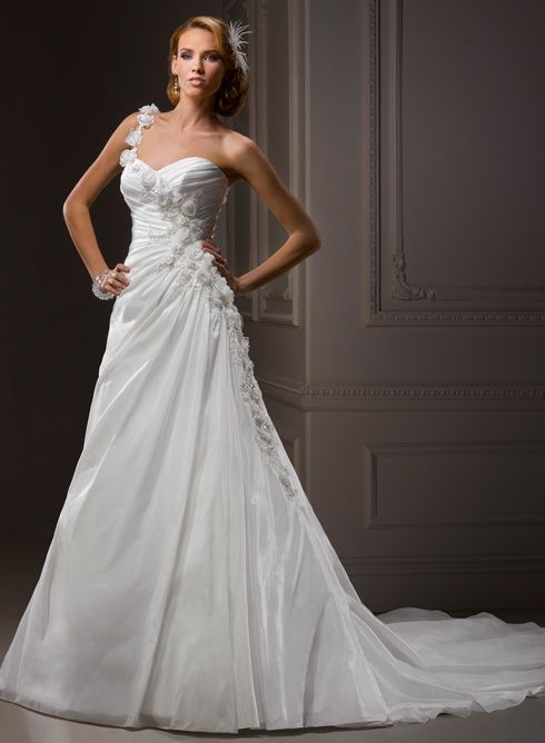 Wedding Dress Check Out Navarragardens For Info On A Beautiful Oregon Destination