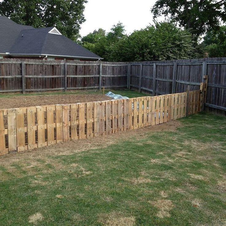 Pallet Fence Backyard Fences Pallet Fence Backyard