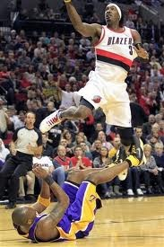 VIDEOS: Dunk of the Night: Gerald Wallace SICK Windmill on the Break against the Lakers & ALL His 31 Points in HD!