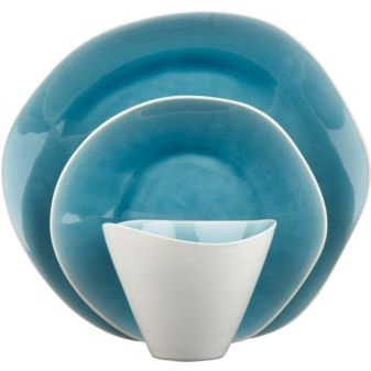 Love the color!: Dinners Plates, White Exterior, Shops Lists, Organizations Shape, White Dishes, Beaches Houses, Naxo Dinnerware, Crackle Glaze, Reactive Glaze