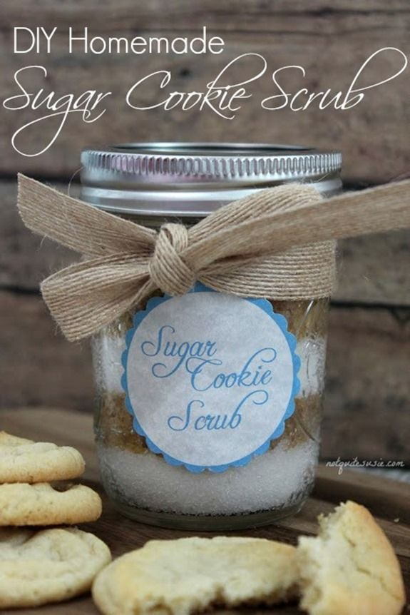 DIY Homemade Sugar Cookie Scrub- a great homemade holiday gift!
