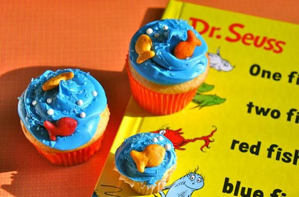 One Fish Two Fish Red Fish Blue Fish Cupcakes for a Dr.