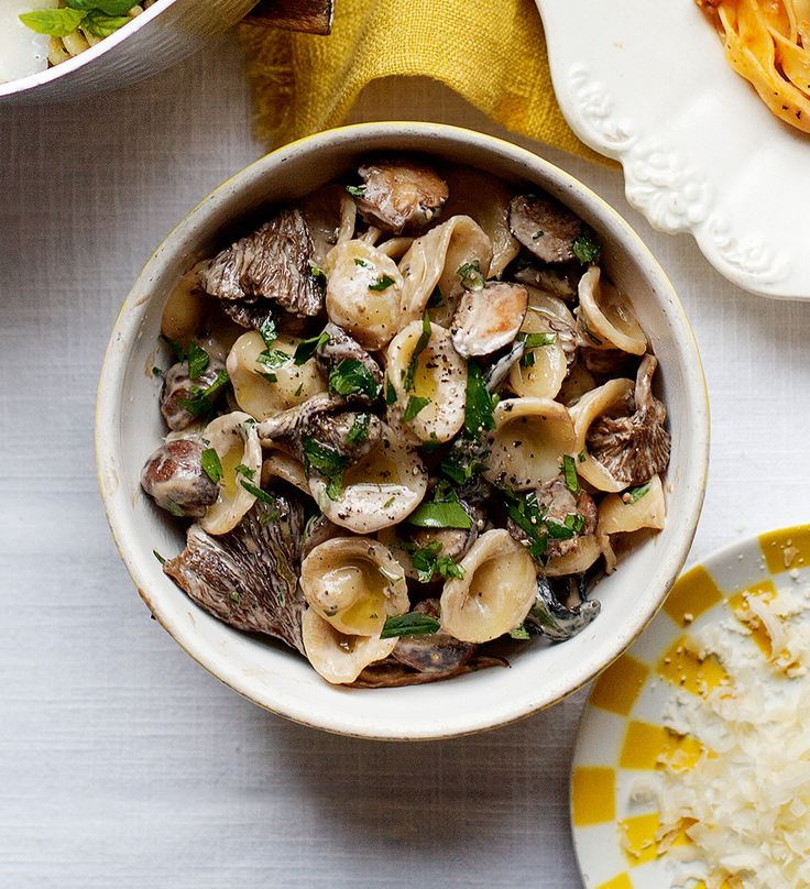 A fresh new twist on a creamy mushroom pasta – this recipe is made with springtime morel mushrooms, maderia and mascarpone.