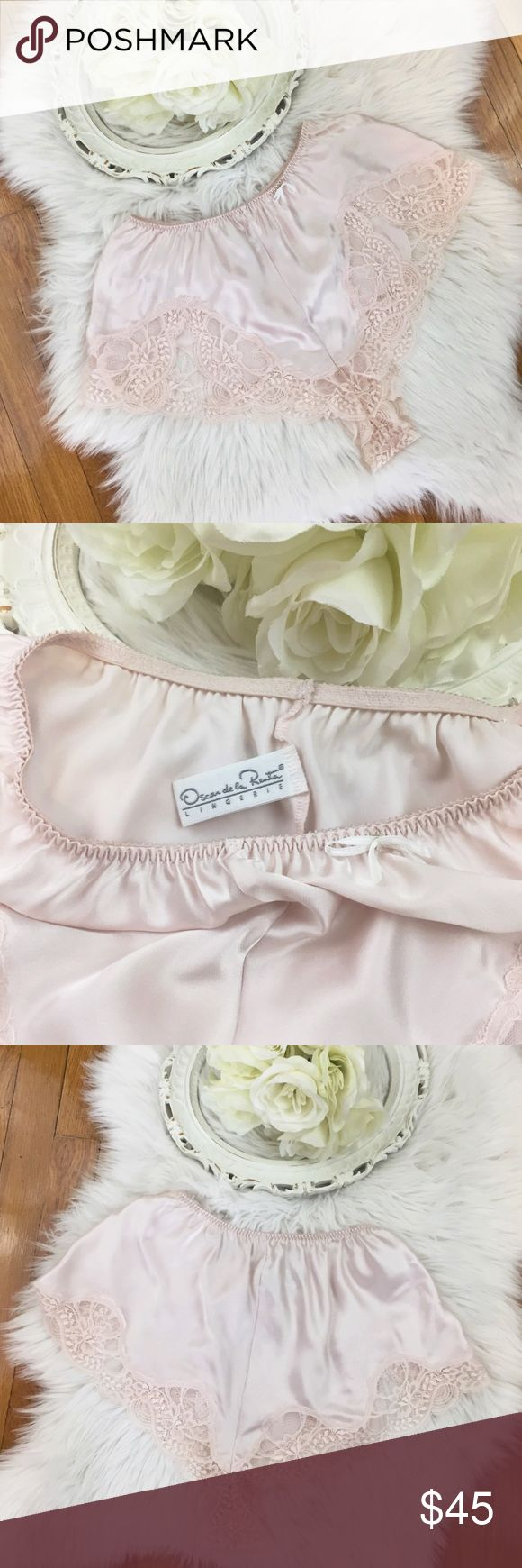 🌹Vtg Oscar de la Renta Sleep Shorts S🌹 Vintage 1980s OSCAR de la RENTA pale pink silky satin lingerie/loungewear tap shorts. Delicate and angelic matching lace detail on high cut hem. Slits in lace at the bottom. Perfect 10/10 condition. Marked a size 5 but would fit a SMALL best 💕 Vintage Intimates & Sleepwear