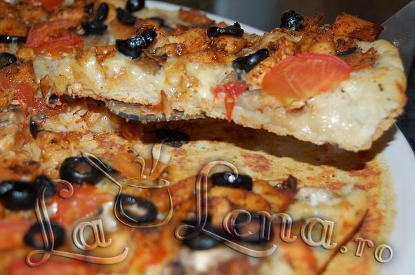 Pizza cu piept de pui si ciuperci