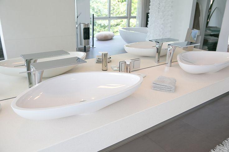 Die perfekte Planung mit tollen Highlights und die Großzügigkeit machen dieses Luxusbad zu etwas ganz Besonderem.