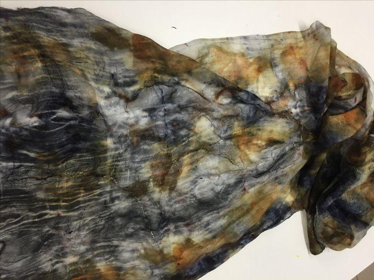 Lana marino misto a seta colorata in ecoprint
