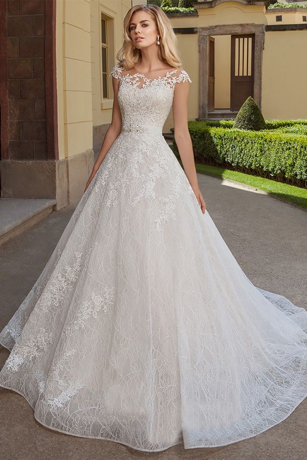 Exquisite Tulle Lace Bateau Neckline A Line Wedding Dresses With