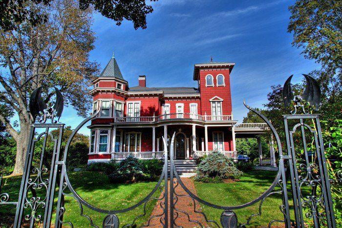 6. Stephen King House, Bangor