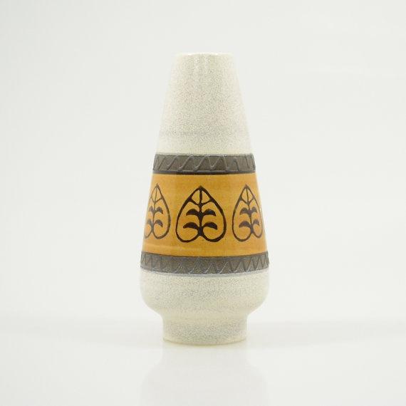 Vi n t a g e Dümler & Breiden Vase Leaf Pattern 135-25