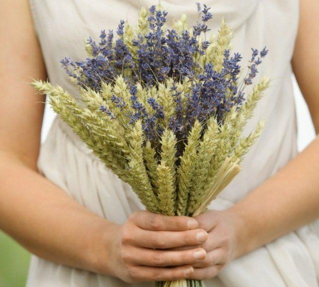 les 25 meilleures id es de la cat gorie bouquets de mariage bl sur pinterest bouquets de. Black Bedroom Furniture Sets. Home Design Ideas