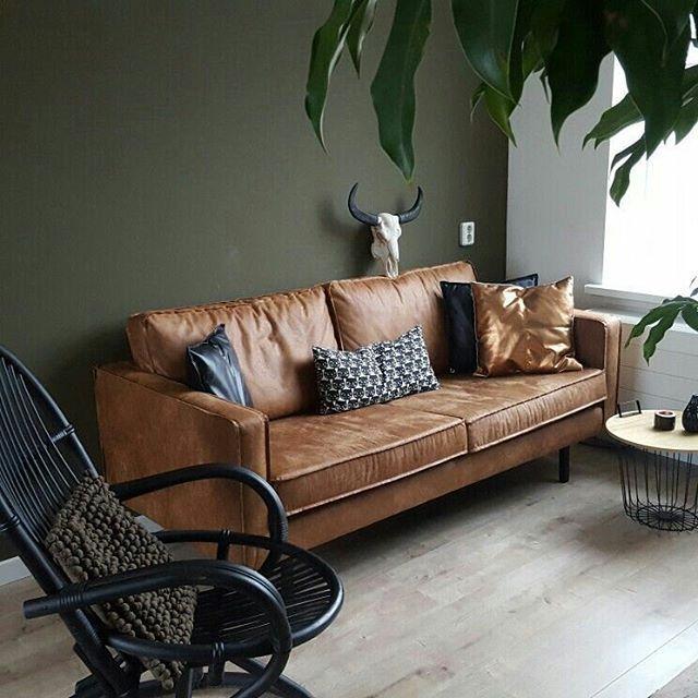 Jeetje, het weekend is voorbijgevlogen. Een nieuwe week komt eraan, dus wij sluiten het weekend met deze bruine leren bank! #wooninspiratie #woonkamer * * * * Credits: @lifestylewonen * * * * #inspiratie #interieur  #meubels #meubel #meubelonline #wonen  #woonaccessoires #design #living #interior #myhome2inspire #interior4you #instahome #styling #livingroom #wooninspiratie #homedeco #homedecoration #homedecor #furnnl #furniture #beautiful #homeandliving #lifestyle #sundayfunday #sundays…