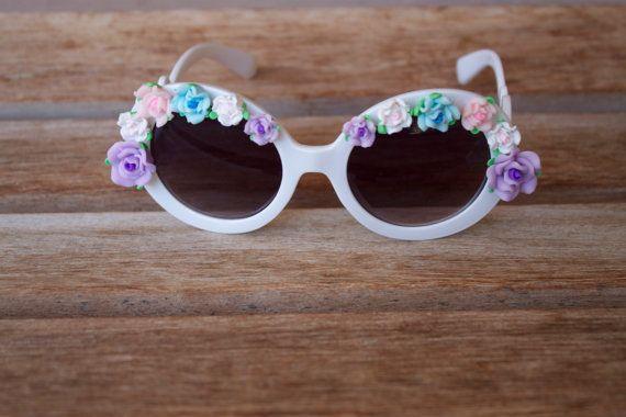 Flower Rim Circle Sunglasses