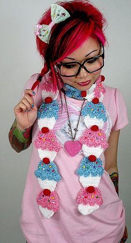 Cupcake scarf! :D.