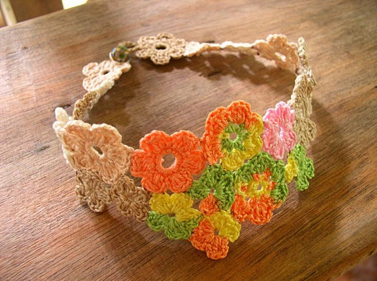 14 FREE Bracelets Crochet Patterns ༺✿ƬⱤღ  https://www.pinterest.com/teretegui/✿༻