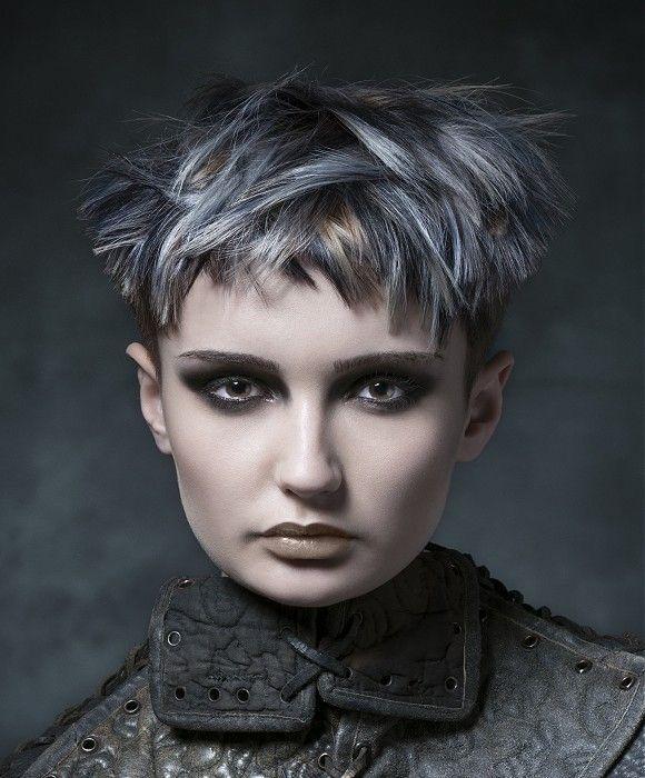 Señoras: Ir por la tendencia del momento! ¡van para un estilo de pelo corto de color gris!