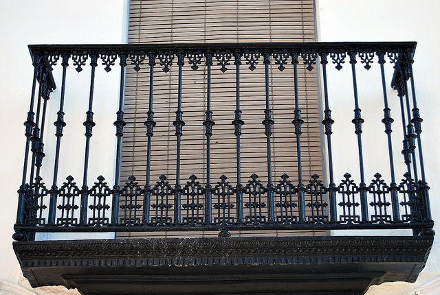 Balcon con hierro forjado hierro forjado balcones y for Barandillas hierro forjado