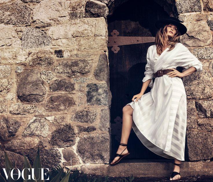 Синди Кроуфорд в фотосессии для Vogue Australia — март 2017. Фото — Эмма Саммертон.
