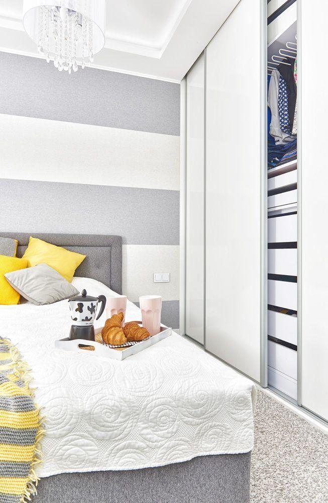 Mieszkanie dla pary lub singla - kawalerka przekształcona na 2 pokoje - AndersDesigne.com  #apartment #bedroom #whiteandyellow