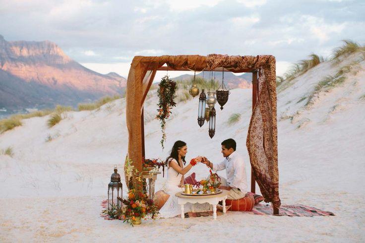 Orientalische Hochzeitsinspiration mitten am Strand