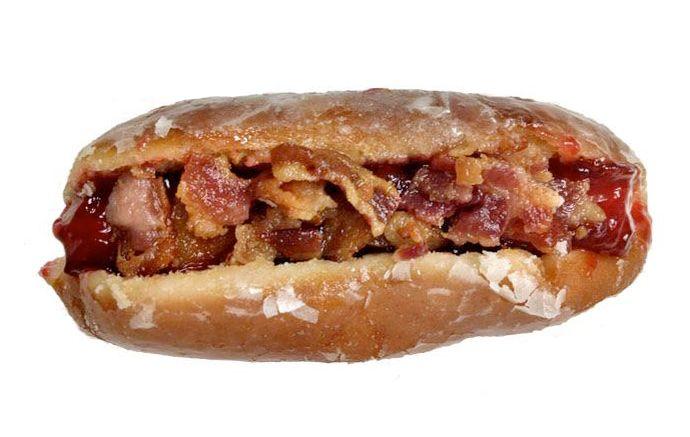 Time de beisebol cria cachorro-quente de donuts e bacon nos EUA - Foto: Forbes