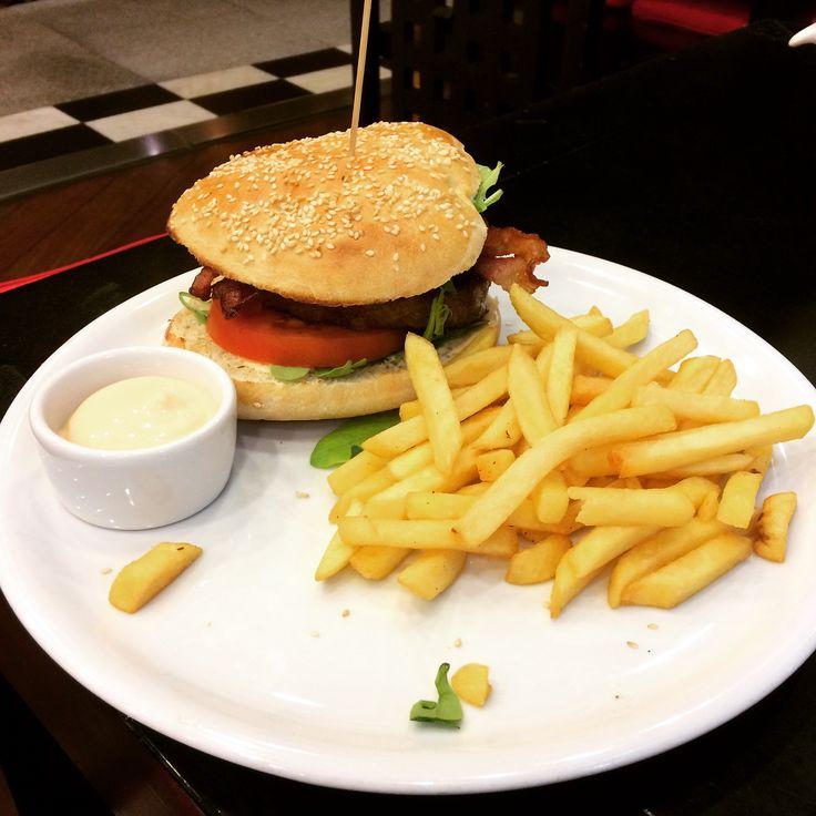 Sphinx burger Tennessee