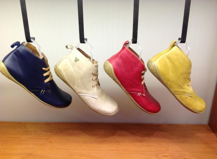 Coihue, bones line #aguapatagona #soles #leather #rubber #bones #marcapaisargentina #shoes #boots  #argentinadesign  #Girona #CostaRica #BuenosAires #SanTelmo #SANDALS