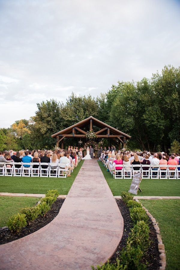 Looking for an outdoor wedding venue in