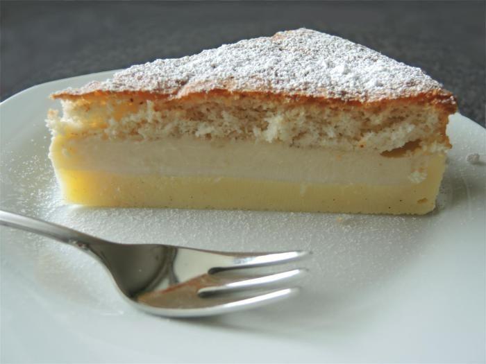 Magic cake - Zauberkuchen mit 3 Schichten - Hinweis: der Teig ist seeehr dünnflüssig, daher ist eine konvetionelle Springform nicht geeignet; besser eine Silikonbackform