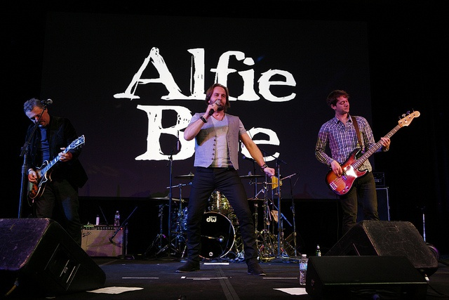 A rockin' performance by Alfie Boe!