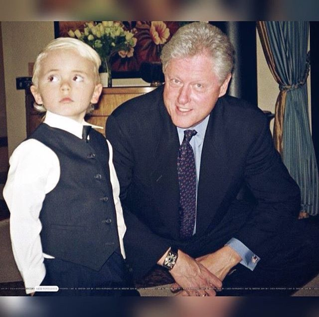 Prince Michael Jackson (age 5) with former President Bill Clinton in 2002.