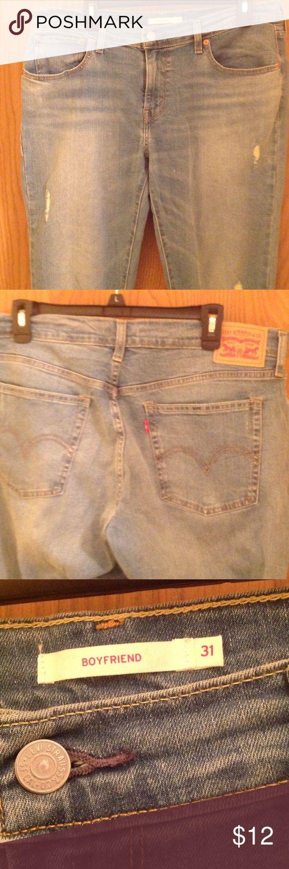 Levi Strauss boyfriend jeans. Levi Strauss boyfriend jeans. Size 31. Levi's Jeans Boyfriend