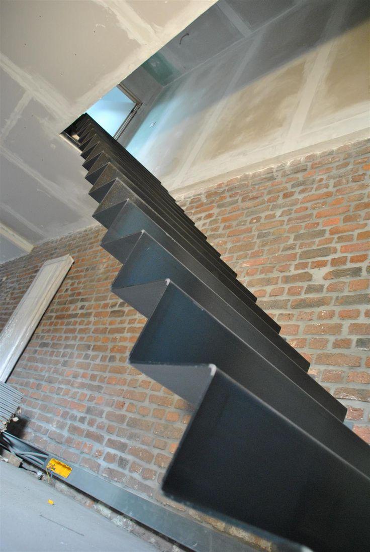 17 meilleures id es propos de escalier stratifi sur pinterest escalier relooking escalier. Black Bedroom Furniture Sets. Home Design Ideas