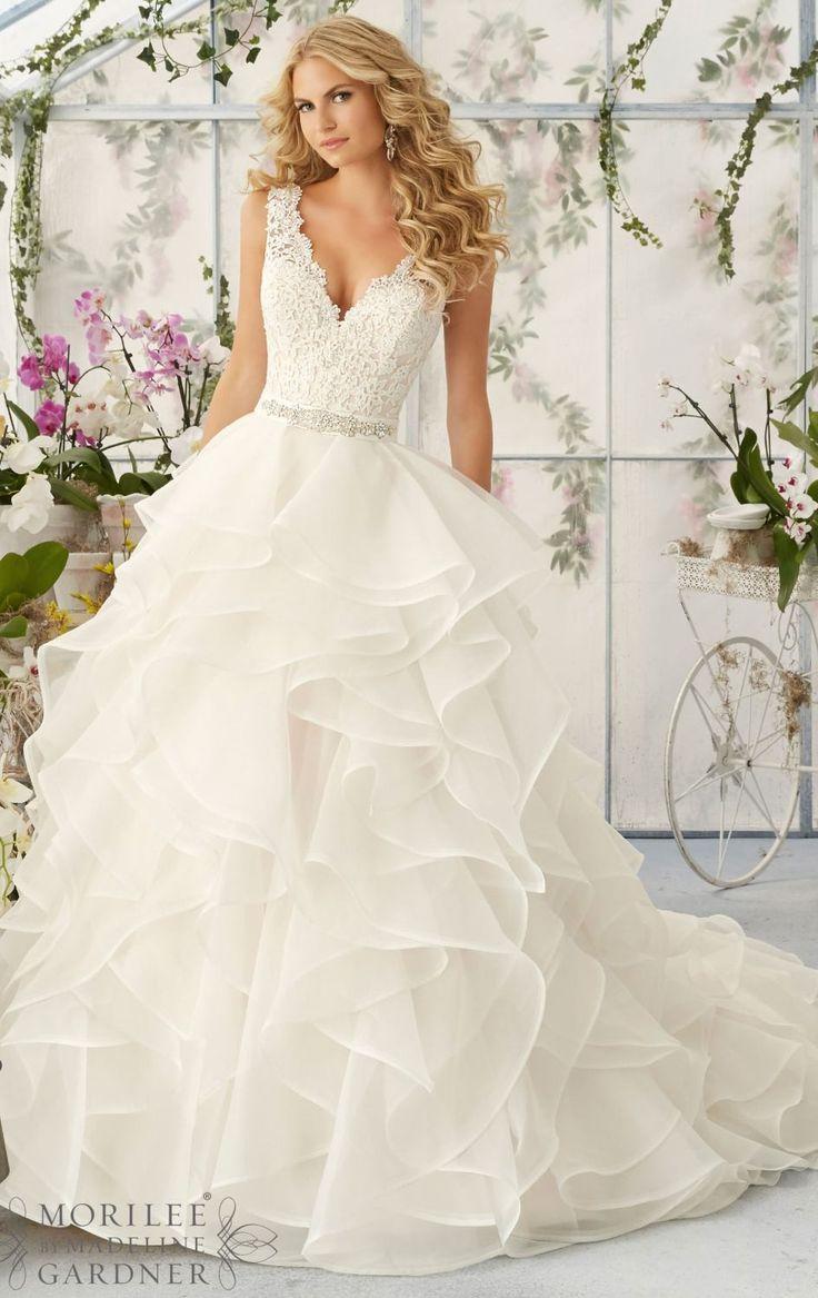 L112 Y V Neck Lace Top Wedding Dresses Charming Layers Vintage