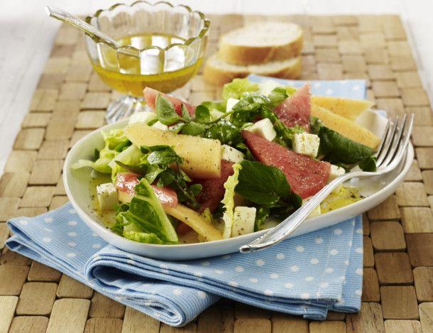Unser beliebtes Rezept für Blattsalat mit Melone, Schafskäse und Honig-Vinaigrette und mehr als 55.000 weitere kostenlose Rezepte auf LECKER.de.