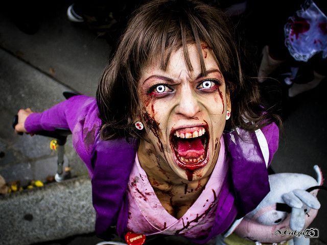 zombie-contact-lenses.jpg