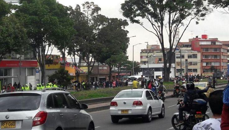 Disturbios y explosiones cerca de la Universidad Pedagógica - Pulzo