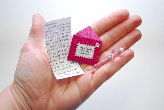 Lettre et baguette magique de la fée rose par ArtToHeartCreations