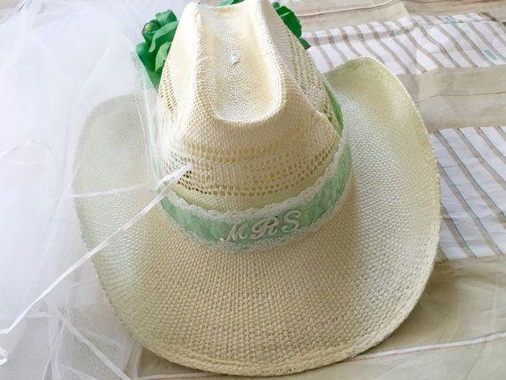 Bling chapeau chapeau de mariée vert menthe par InspiredtoImagine