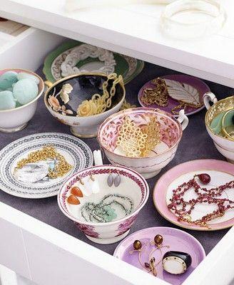 beautiful way to organize jewlery
