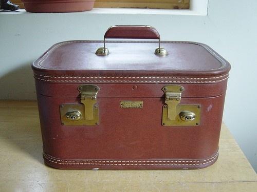 Vintage J.C. Higgins Fine Luggage Makeup Cosmetic Train Case Suitcase $6