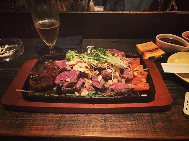 肩ロース300g ハンギングテンダー300g +ハンバーグです。  鉄板BIGです。  週末用に、いつも限定のチャックが倍の量入荷です。  #古仁屋 #奄美 #奄美大島 #santeria #サンテリア #grill #グリル #肉 #steak #ステーキ #pizza #ピザ #livebar