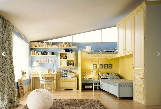 Какими же могут быть детские комнаты компании Ferretti & Ferretti? Это, например, могут быть апартаменты для очаровательных маленьких принцев и принцесс, спортсменов и балерин. Нежнейшие светлые оттенки с тонкой декоративной отделкой в традиционном классическом стиле. В комнате обязательно должно быть игровое пространство и много полок для детских игрушек. Удобные большие шкафы или вместительные надежные секции для детской одежды и вещей. А ещё место для занятий или творчества!