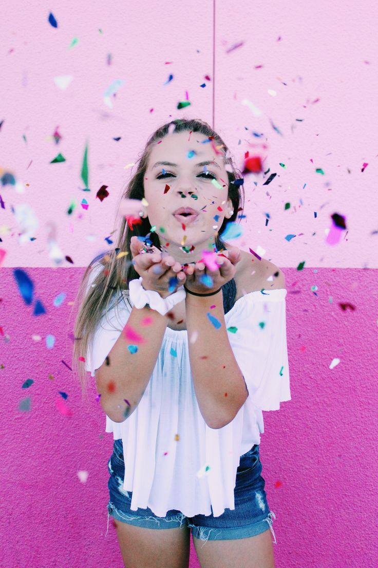 Pink Wall Photo shoot with Confetti #photoshoot #photoshootidea #kidphotoshoot