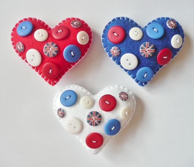 Blighty Felt Button Brooch | Embroidery/Felt | Pinterest | Felt, Felt crafts and Buttons