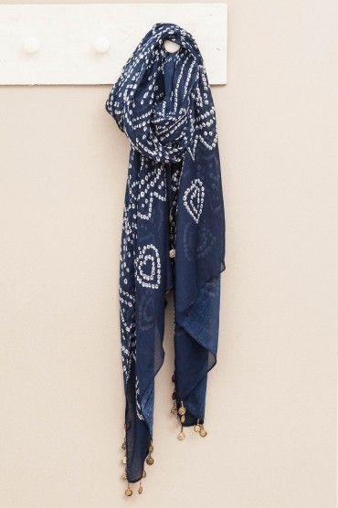 Pañuelo azul con blanco